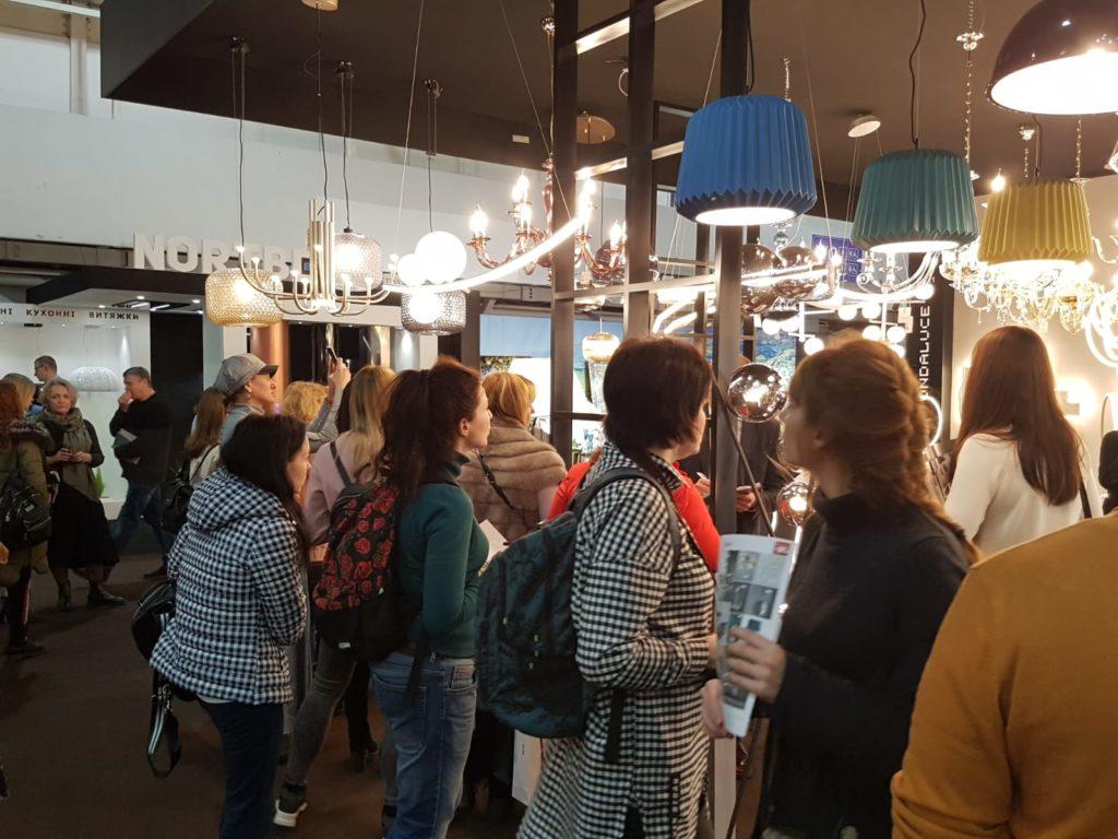 Ondaluce illumina Kiev: grande successo al Mebel 2020!